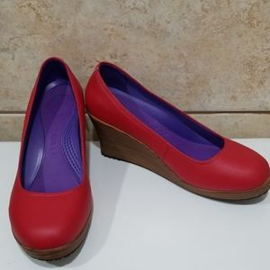 Crocs A-Leigh red leather wedges  Size 7
